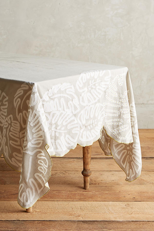 Slide View: 1: Ribboned Fronds Tablecloth