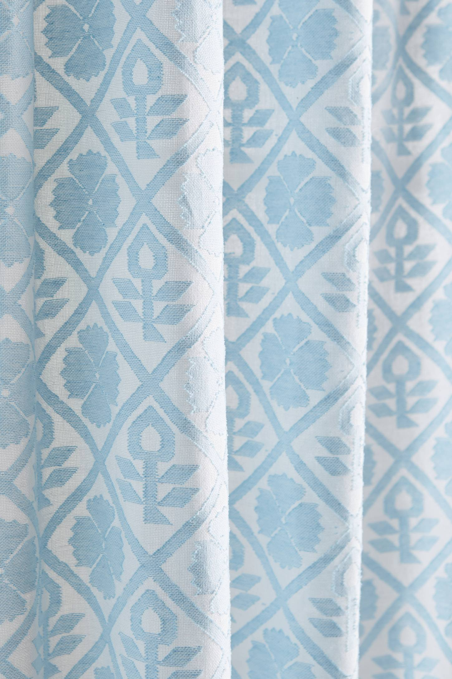 Slide View: 2: Quadrille Curtain