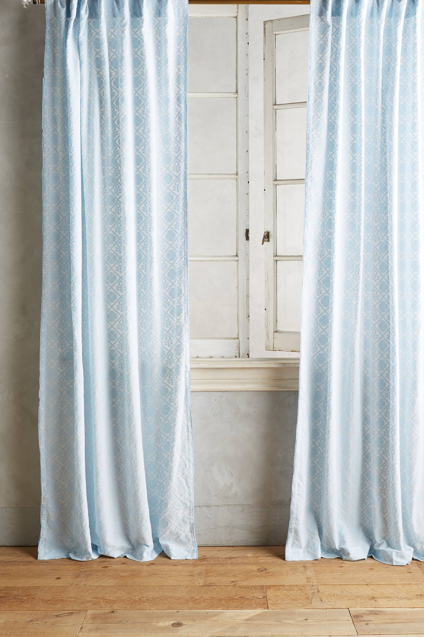 Slide View: 1: Quadrille Curtain
