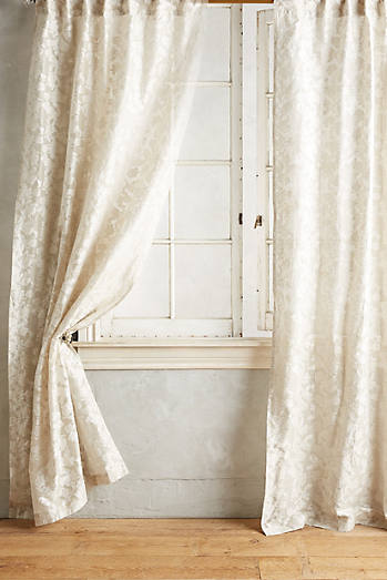 Traced Jacquard Curtain