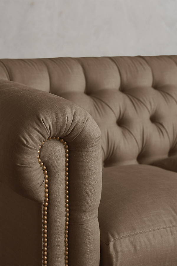 Slide View: 3: Belgian Linen Lyre Chesterfield Sectional, Wilcox