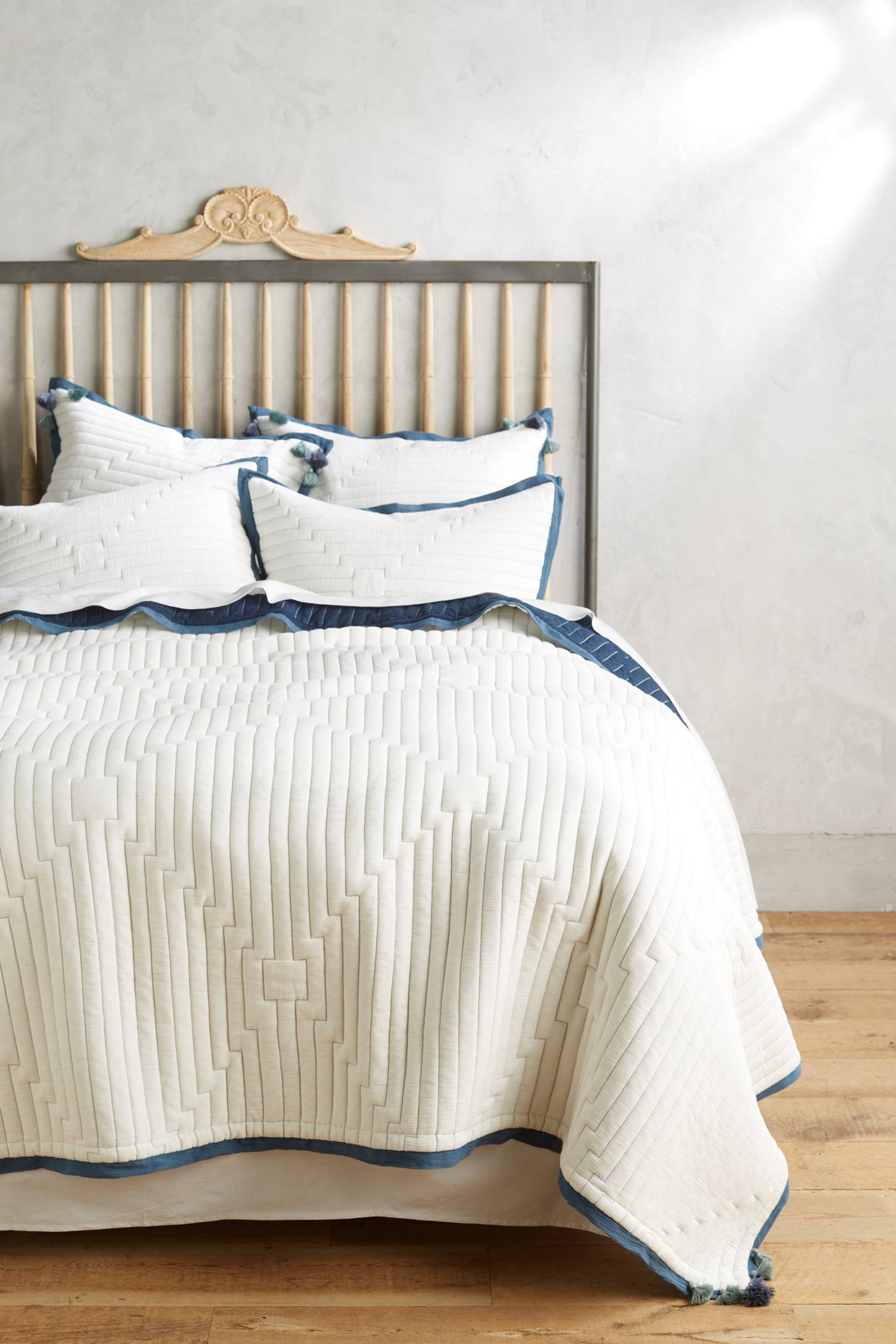 Anthropologie bedding - Double Tap To Zoom