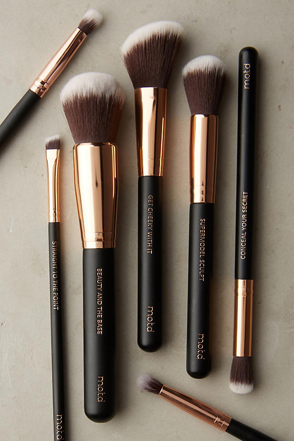 Slide View: 2: M.O.T.D Beauty And The Base Brush