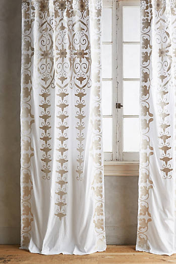 Antonella Curtain