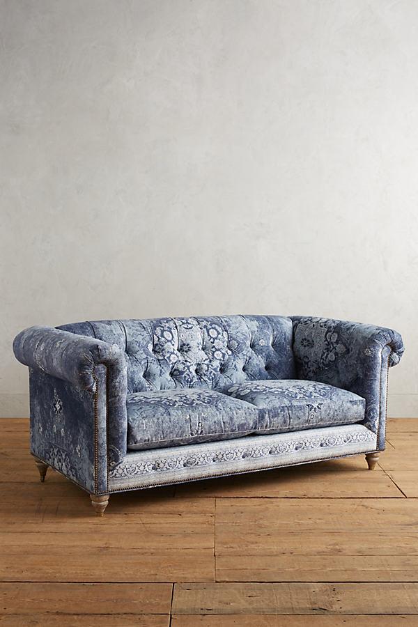 Rug-Printed Lyre Chesterfield Petite Sofa - Light Grey