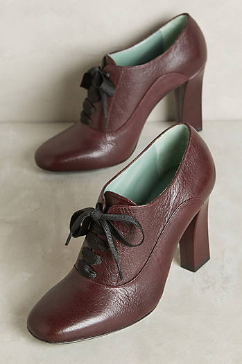 Paola d'Arcano Lace-Up Heeled Oxfords