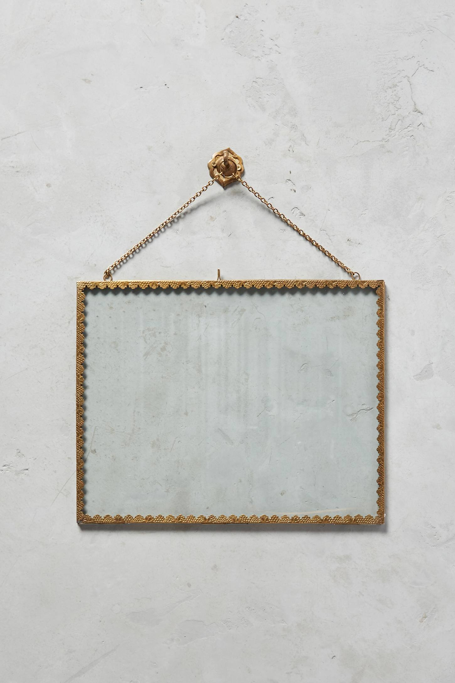 Slide View: 2: Mereille Hanging Frame
