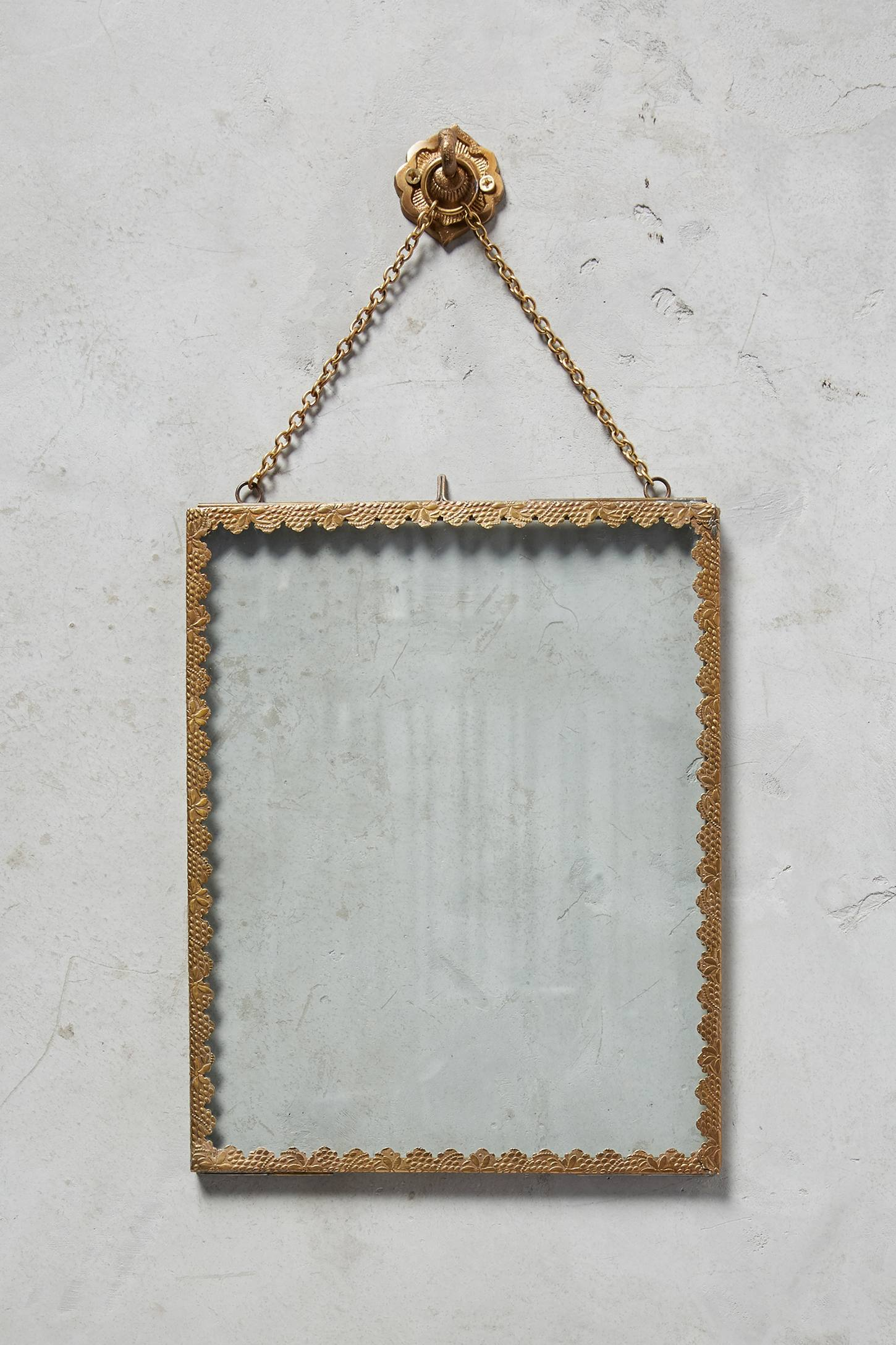 Slide View: 3: Mereille Hanging Frame