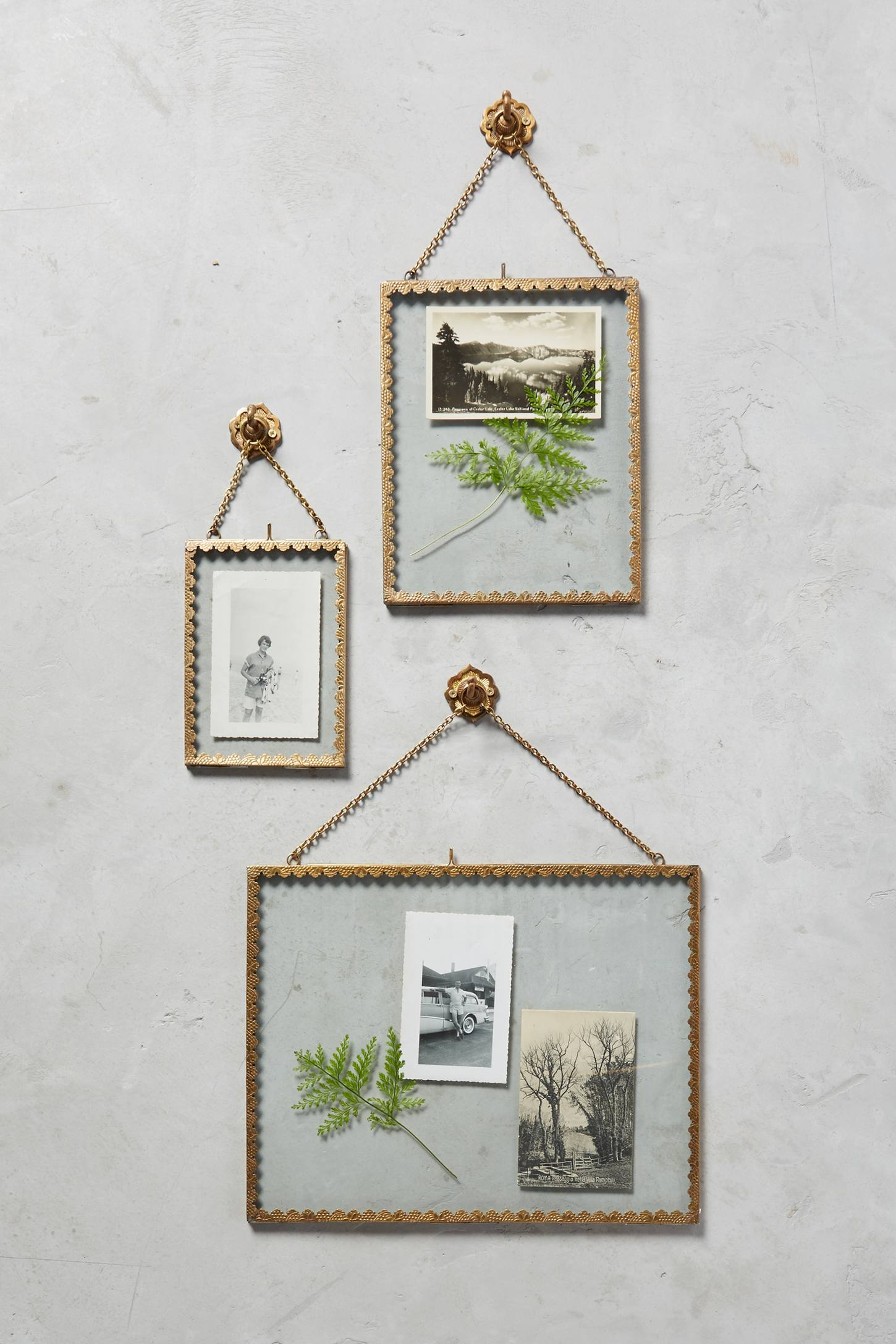 Slide View: 1: Mereille Hanging Frame