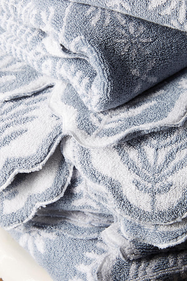 Slide View: 2: Hanna Towel Collection