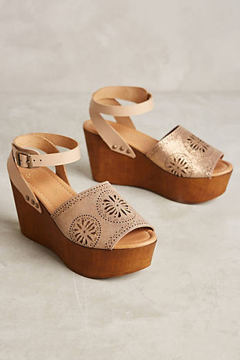 Liendo By Seychelles Granada Wedges