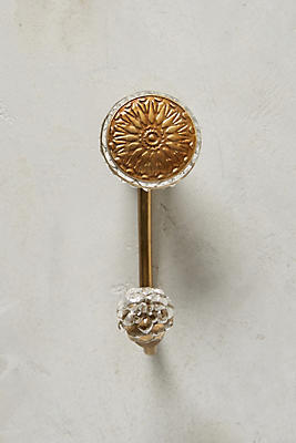 Slide View: 1: Imprinted Medallion Hook
