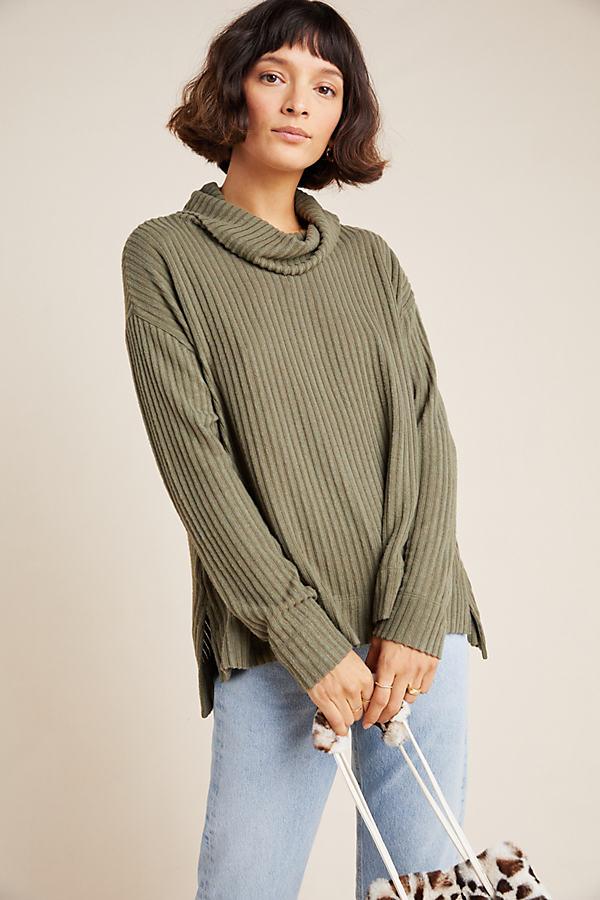Vannau Cowl Neck Sweater