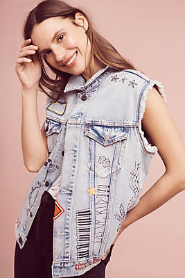 Slide View: 1: Levi's Patched Trucker Vest