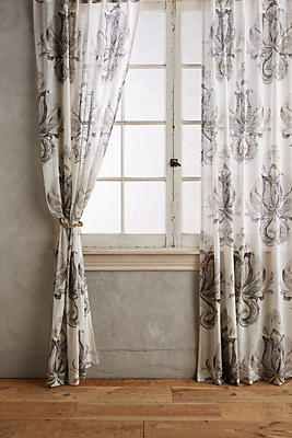 Slide View: 1: May Curtain