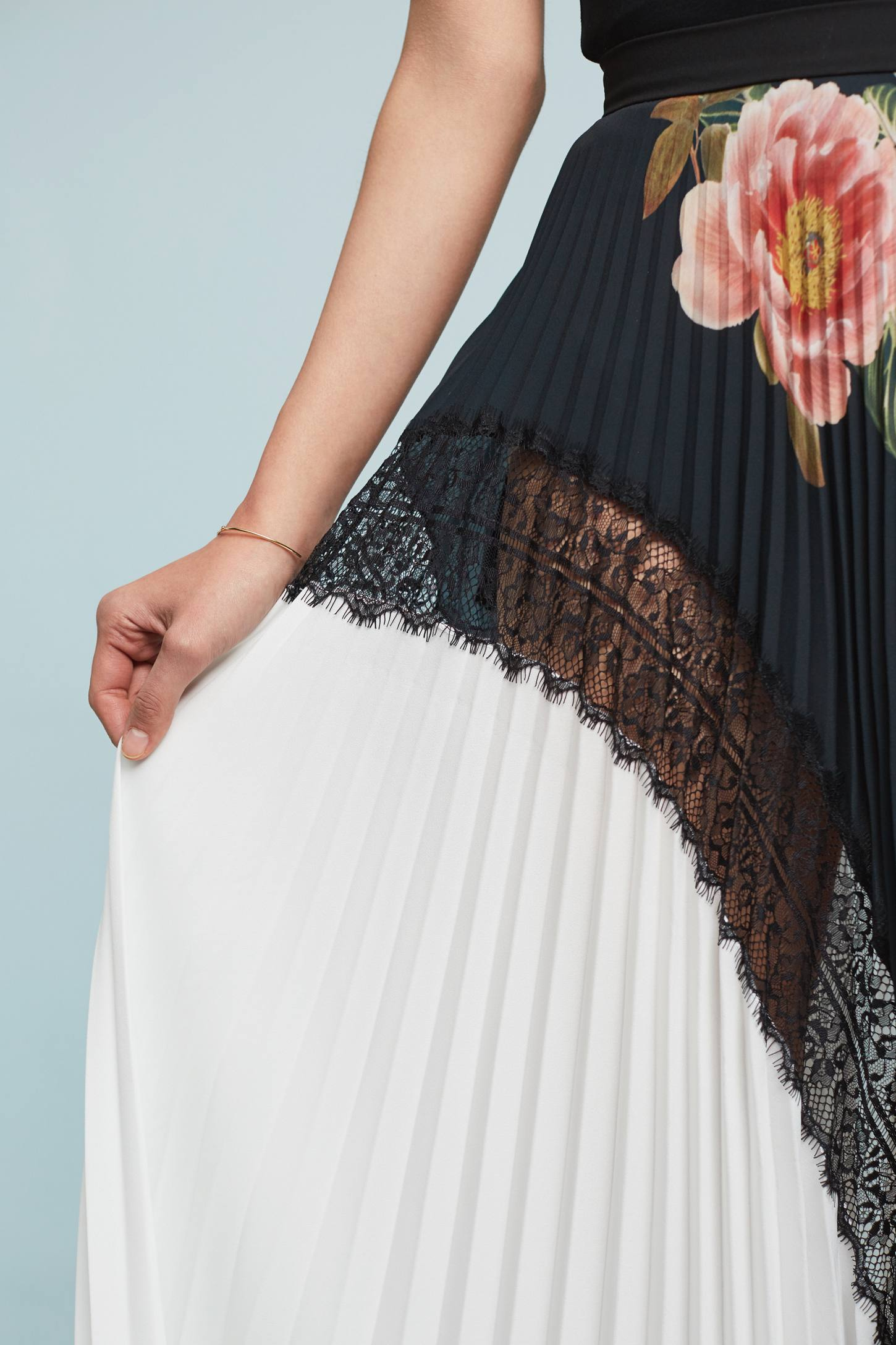 Slide View: 3: Clea Pleated Skirt
