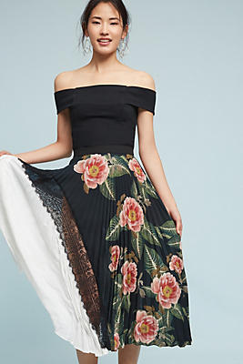 Slide View: 1: Clea Pleated Skirt