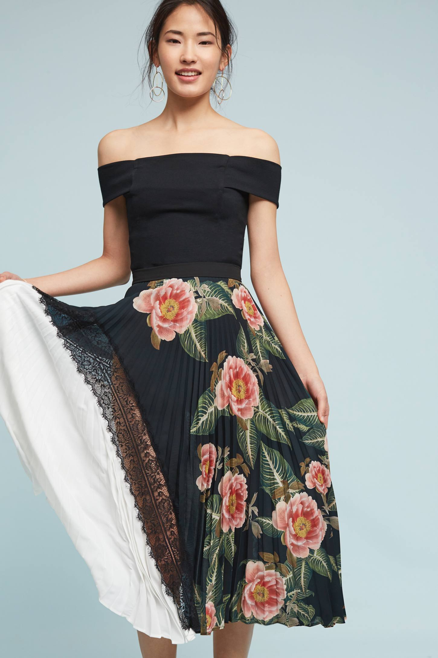 Slide View: 1: Clea Pleated Skirt