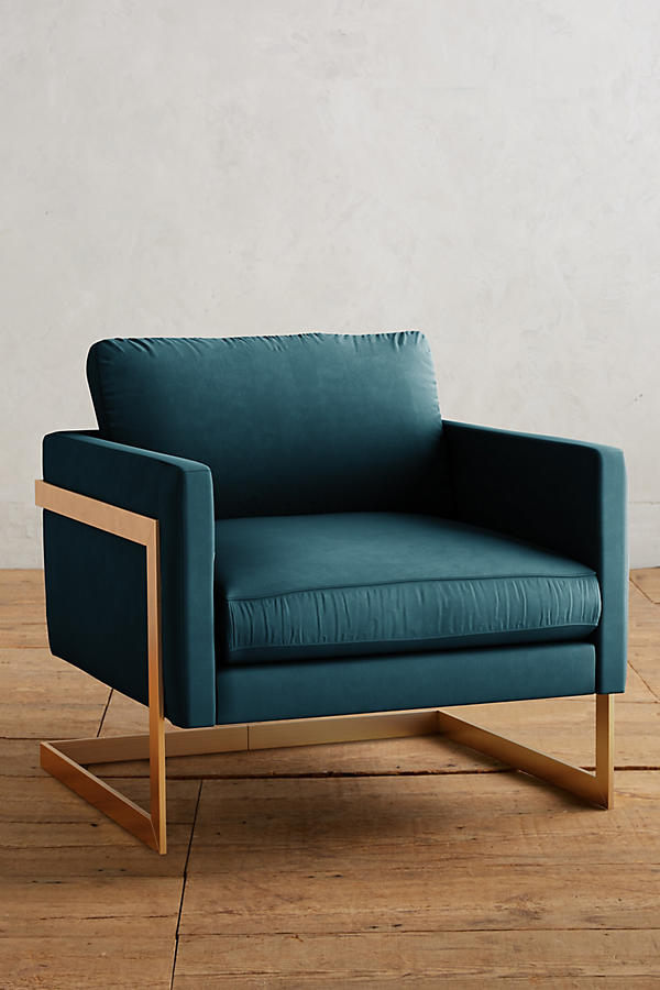 Slide View: 1: Velvet Meredith Chair