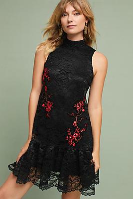 Slide View: 1: Midtown Lace Dress