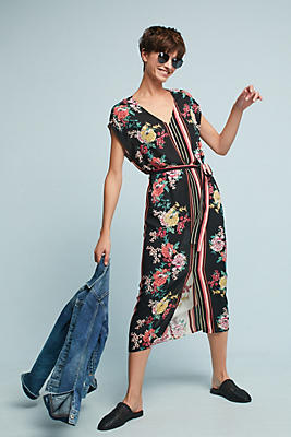 Slide View: 1: Sanne Midi Dress
