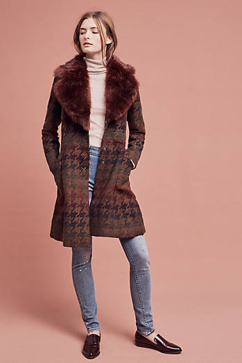 Amanine Houndstooth Coat