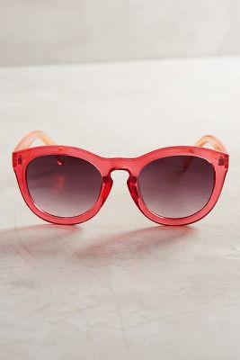 1af76503d57 Kylie Jenner flaunts her curves to promote sunglasses line