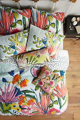 Slide View: 1: Lulie Wallace Floral Quilt