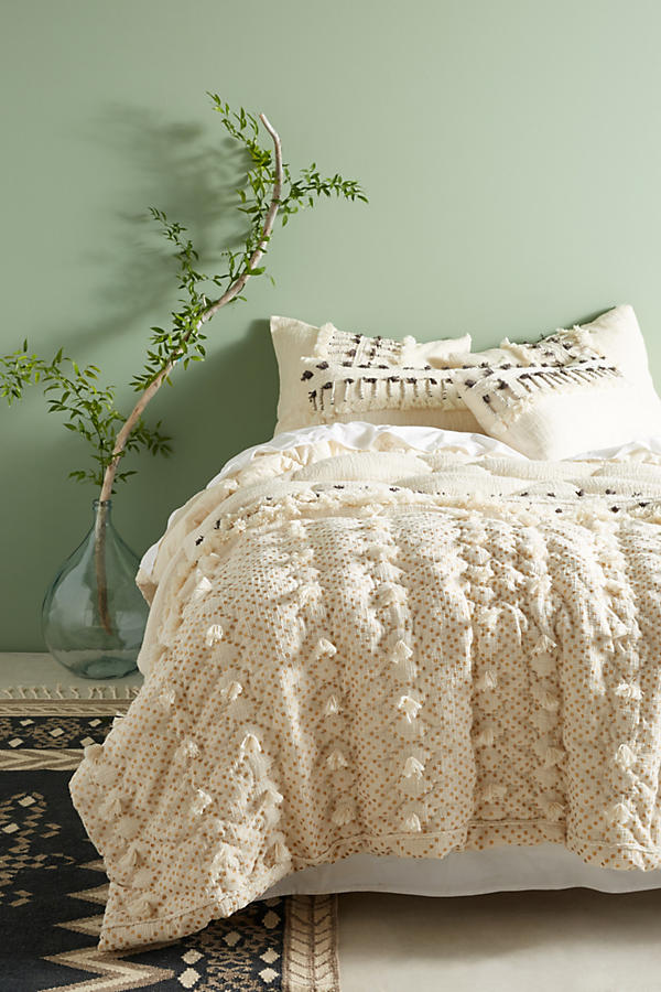 Tufted Pointilliste Quilt Anthropologie