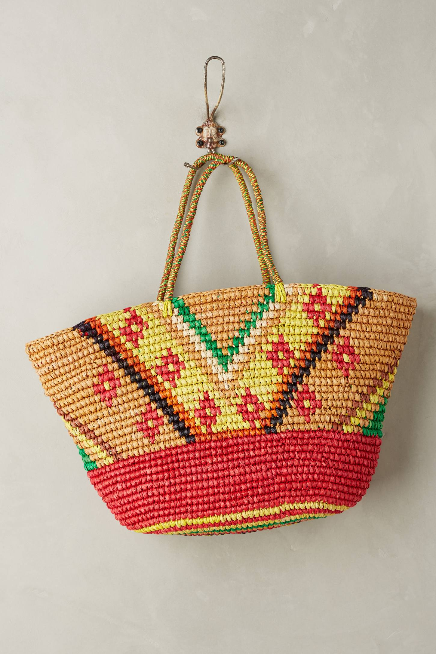 Slide View: 1: Frayed Sunshine Straw Tote