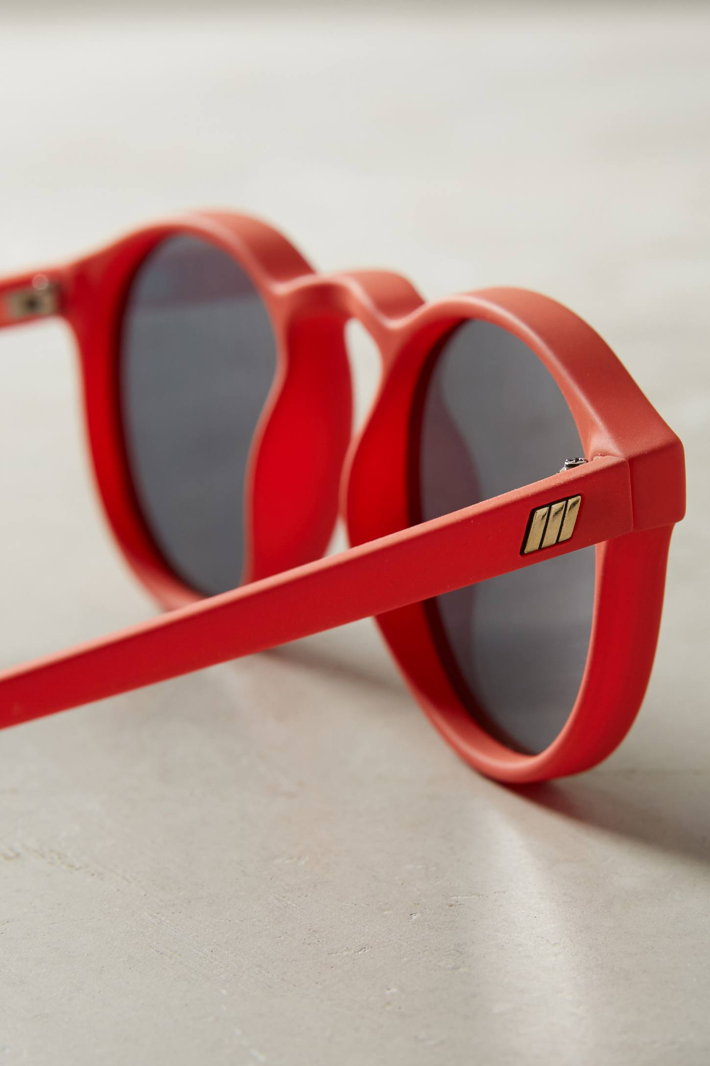Slide View: 3: Le Specs Cubanos Mirrored Sunglasses