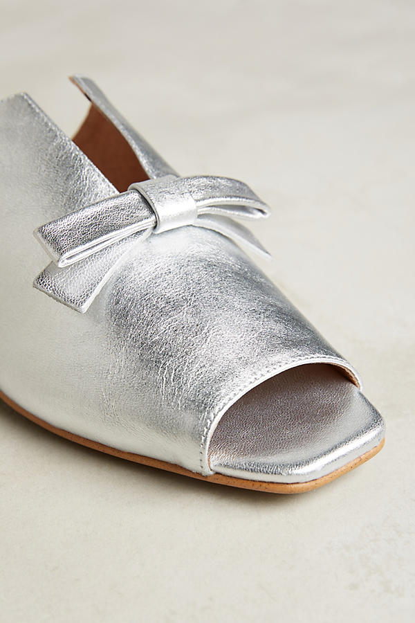 Slide View: 5: Sidney Metallic Flats