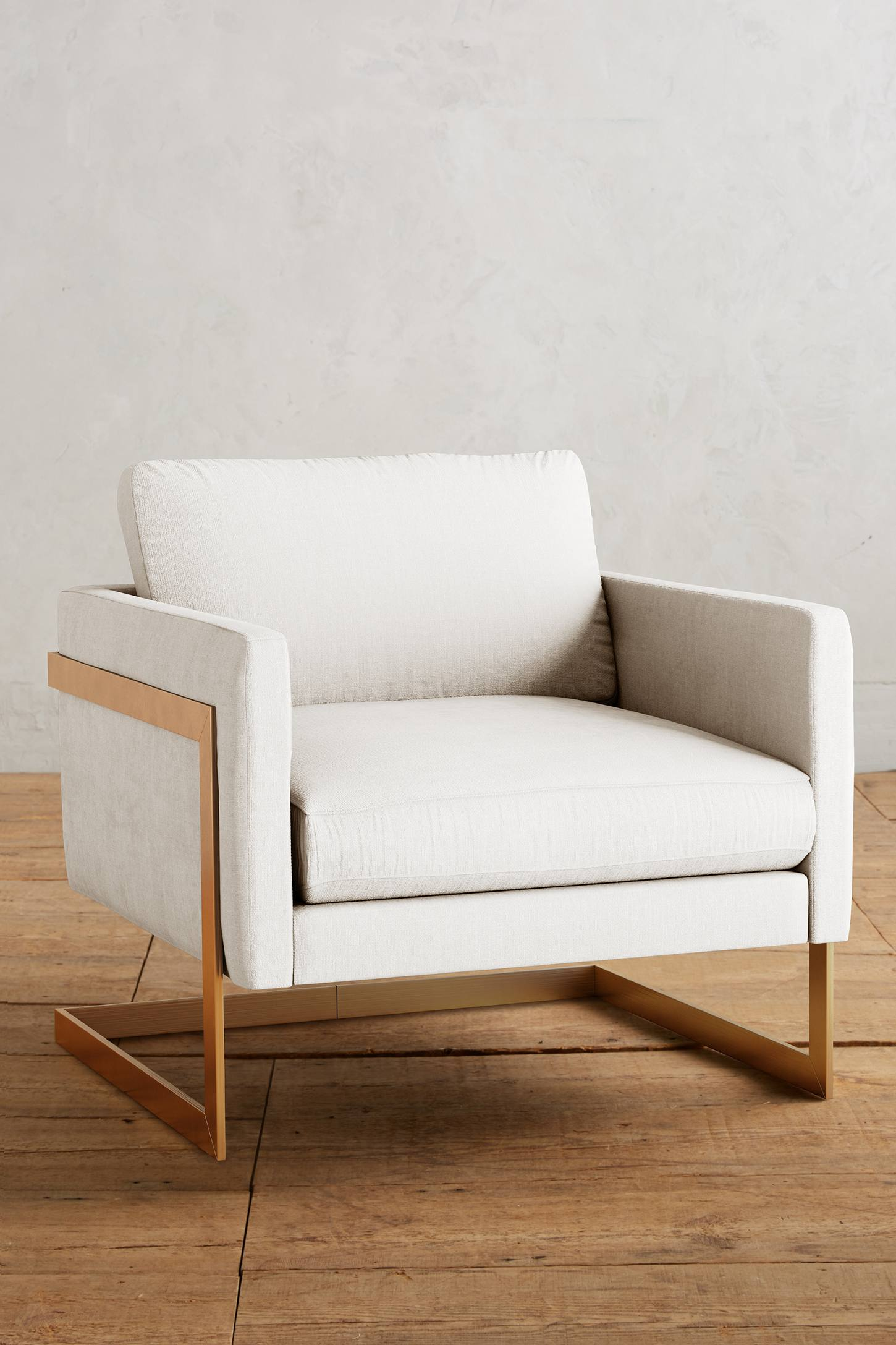 Slide View: 1: Belgian Linen Meredith Chair