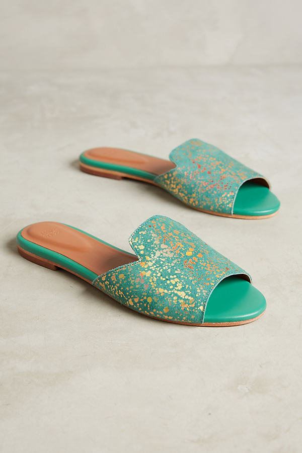 Neveah Gilded Slides - Green, Size 40