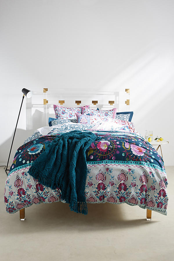 Slide View: 1: Meze Duvet Cover