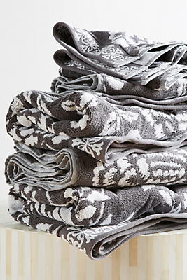 Slide View: 1: Gracie Jacquard Towel Collection