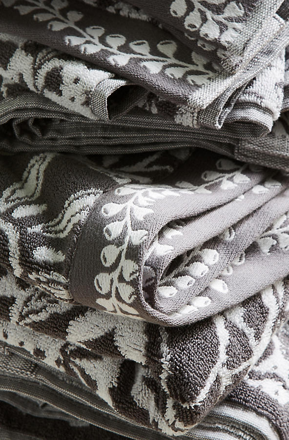 Slide View: 2: Merida Jacquard Towel Collection