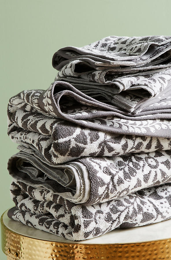 Slide View: 1: Merida Jacquard Towel Collection