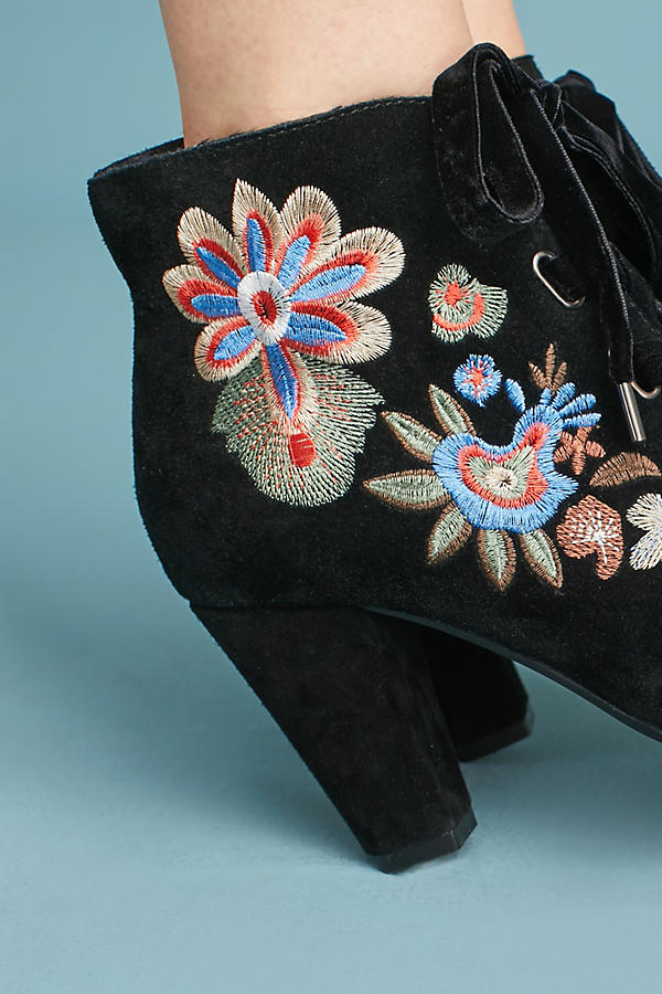 Slide View: 4: Chelsea Crew Frida Embroidered Boots