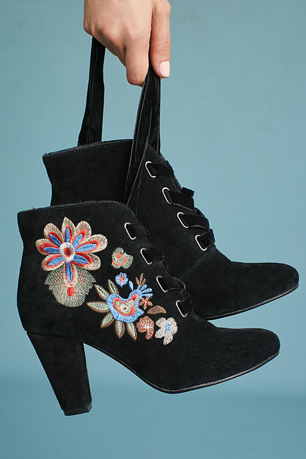 Slide View: 1: Chelsea Crew Frida Embroidered Boots