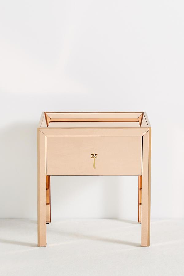gracemere nachttisch mit spiegel anthropologie. Black Bedroom Furniture Sets. Home Design Ideas