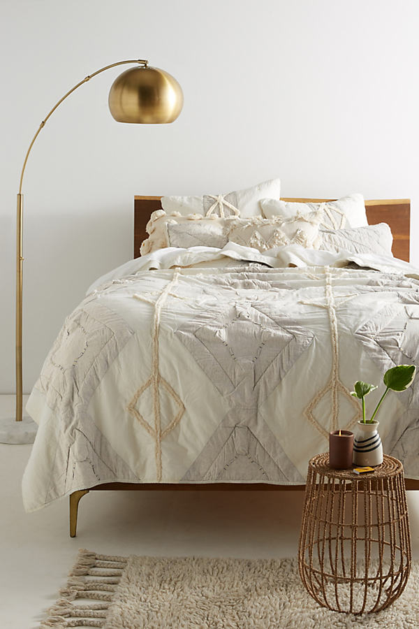 Tufted Banksia Quilt - Ivory, Size King Quilt
