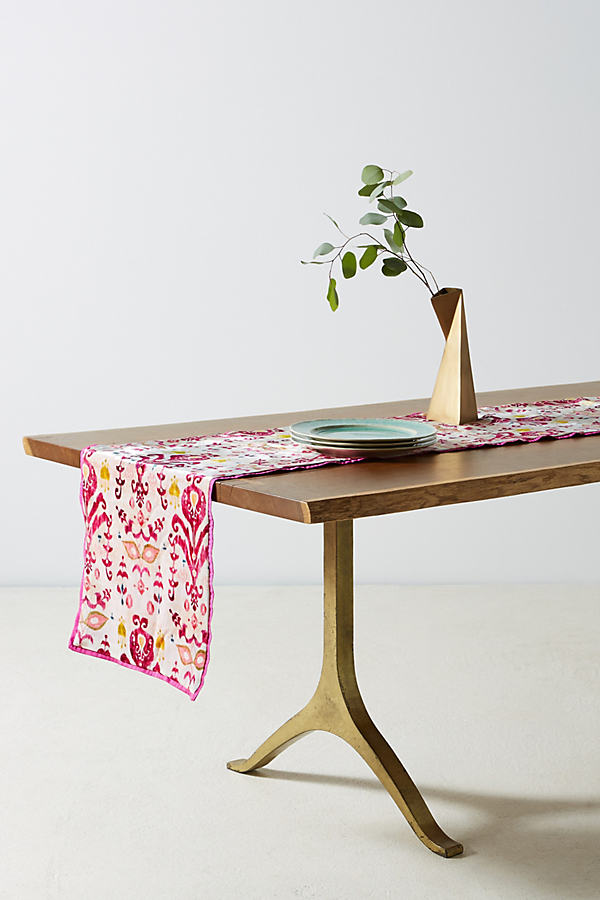 Avery Table Runner - Medium Pink, Size Runner