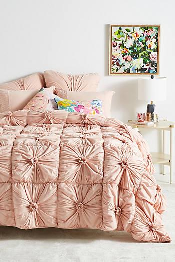 Organic rosette quilt