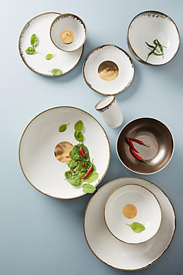 Slide View: 4: Focal Dinner Plate