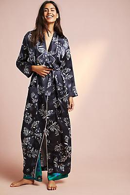Slide View: 2: Violet & Wren Silk Floral Robe