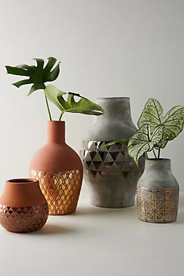 Slide View: 3: Gilded Luna Vase