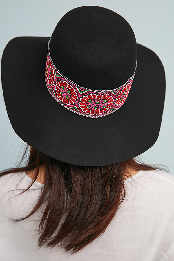 Slide View: 3: Tess Embroidered Hat
