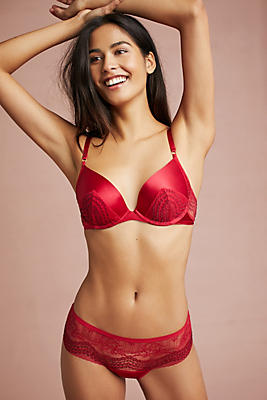 Slide View: 2: Triumph Essence Underwire Push-Up Bra