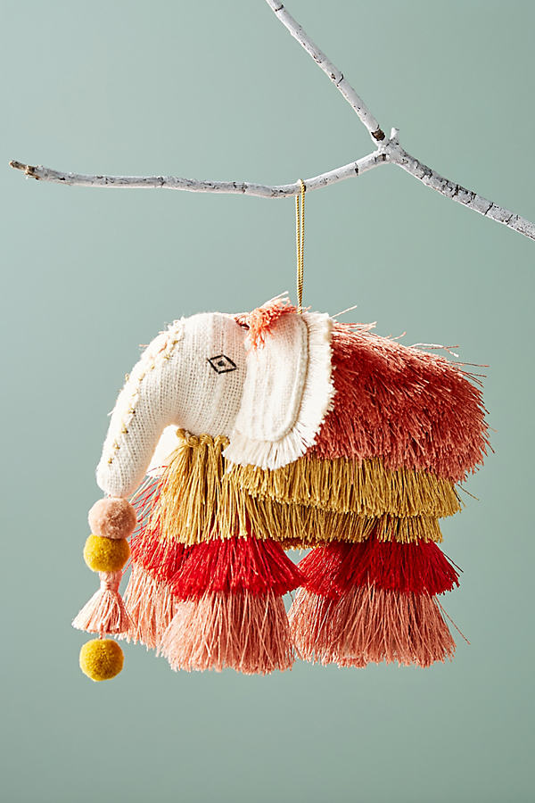 Majestic Tassels Ornament - Red Motif